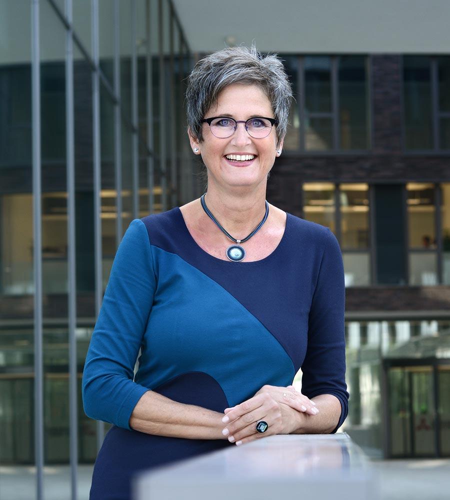 Petra Waldminghaus – die Expertin zum Thema Brille und Wirkung